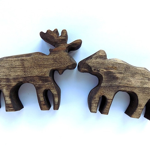Whittled Kissing Moose
