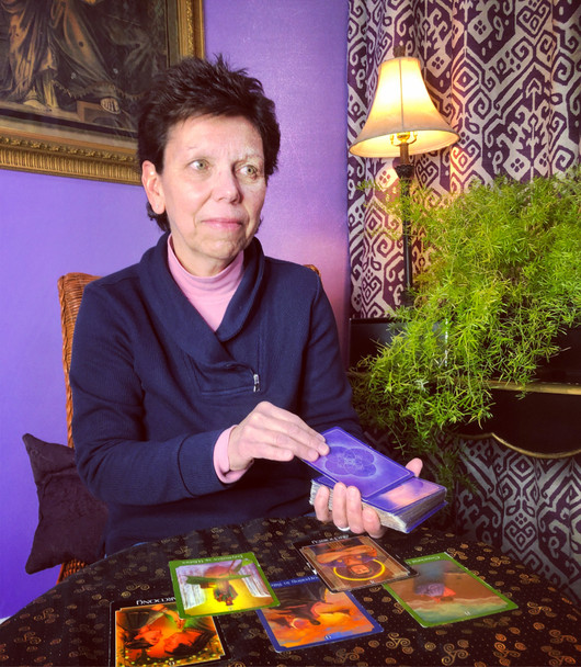 Tarot Card Reading with Bernice via Phone/Face time 1/2 Hour