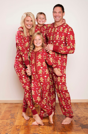 Create the Perfect Holiday Photo with Matching Family Pajamas