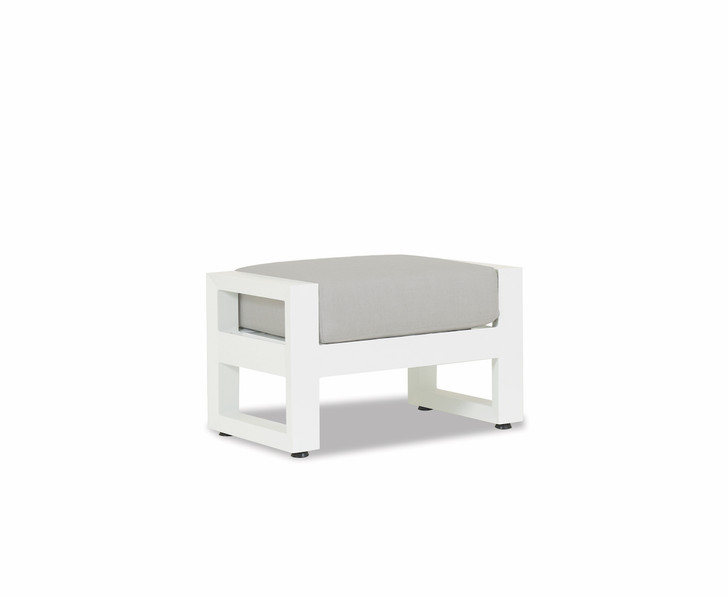 Newport Ottoman with cushion in Cast Silver
