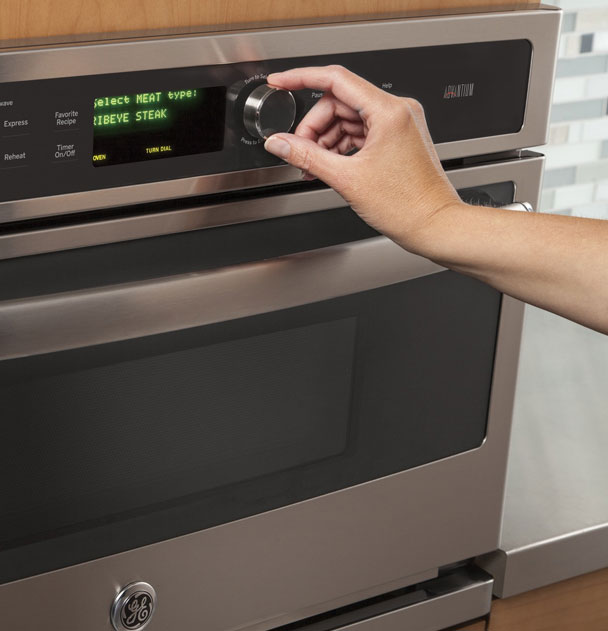 Microwave Cooking With a Built-in Advantium® Oven