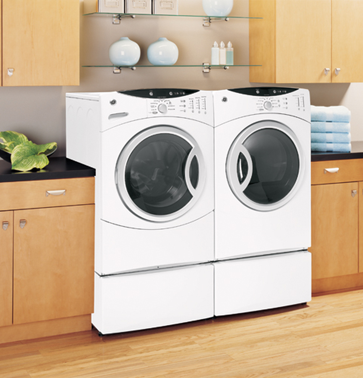 GE Adora™ ENERGY STAR® 3.7 IEC Cu. Ft. King-size Capacity Frontload Washer  with Stainless Steel Basket - WHDVH626FWW - GE Appliances