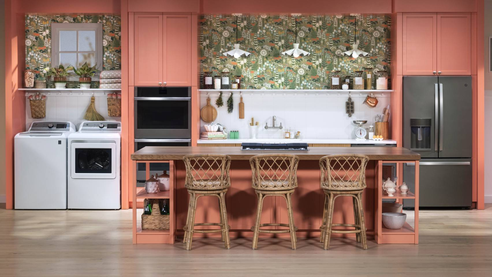 Traditional Peach Cozy Kitchen Design