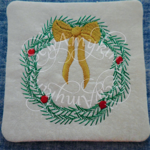 Christmas wreath ith in the hoop coaster mug rug machine embroidery design