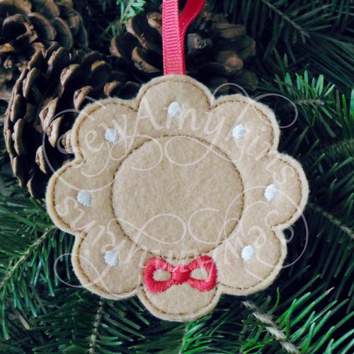 wreath frame gingerbread ornament applique machine embroidery Christmas felt design