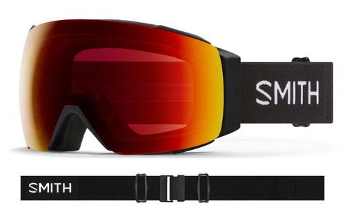 Black w/ Chromapop Sun Red Mirror - Smith IO MAG XL Goggles