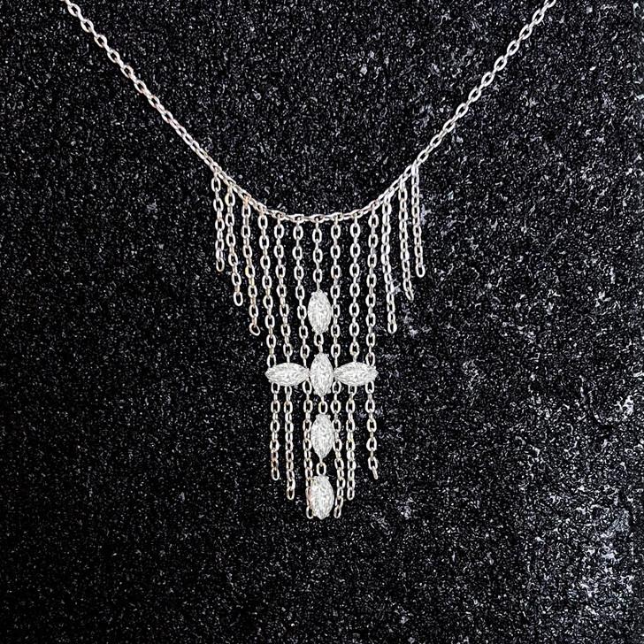 Collier Croix, Bijou croix diamant, Collier Diamant et Or 18K, Collier Ainsi Soit-Il, Collier Or et Diamant, Collier Femme, Collier LAYONE Paris
