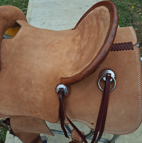 New Cheyenne j2 Stock Saddle by Fort Worth Saddle Co with 14 inch seat. Premium leather in light oil roughout. Secure pencil roll seat. Gullet size is 8 inch, weight is 30lbs, and skirt is 25 inch. Made in USA. Limited lifetime warranty.  S1247