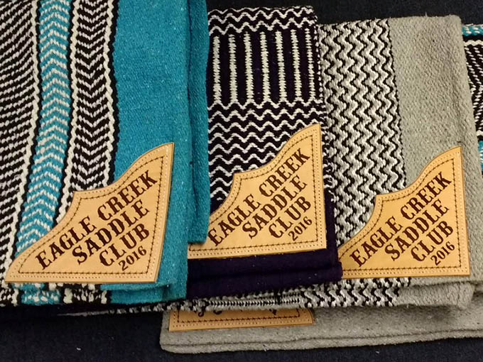 trophy saddle blanket corners