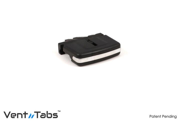 X5 / X6  (E70)  rear vent tab
