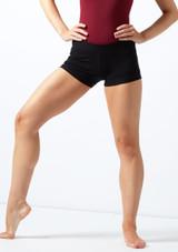 Move Skye Shorts Black front. [Black]