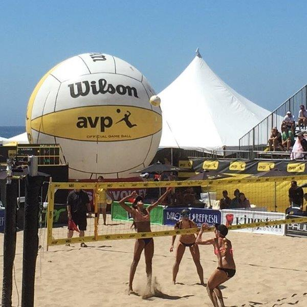 47-wilson-volleyball-giant-ball-event-inflatable.jpg