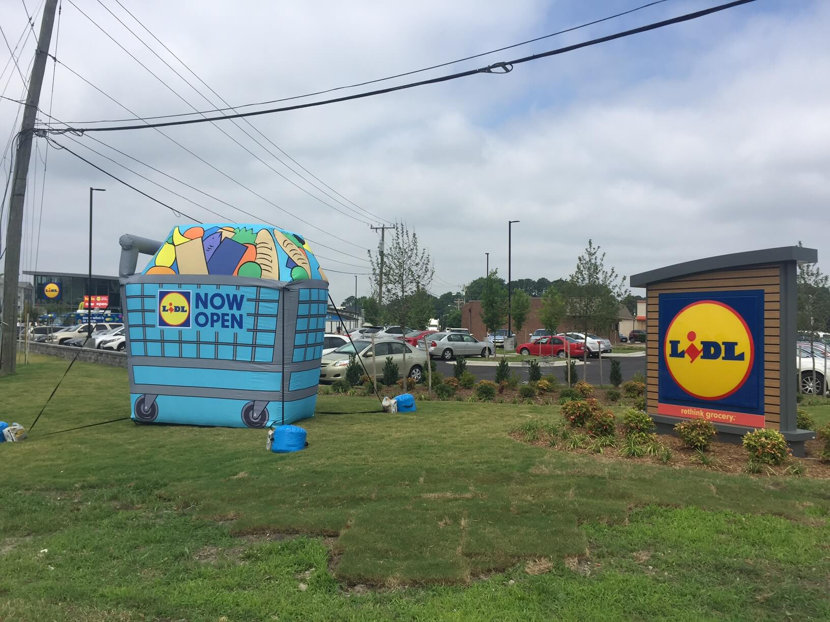 48-lidl-cold-air-grocery-cart-store-opening.jpg