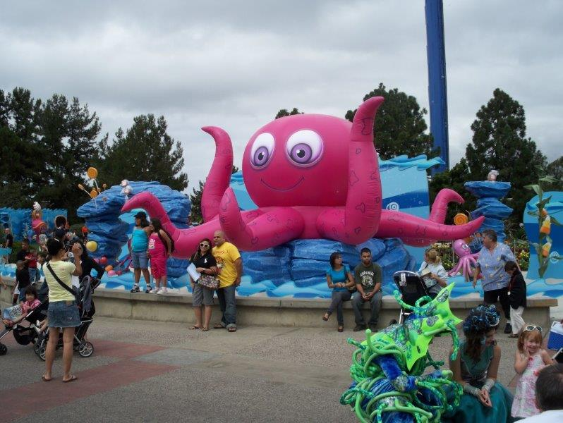 49-sea-world-giant-inflatable-octopus.jpg