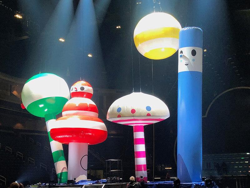 biggerthanlife-gallery-j-balvin-arcoiris-tour-side-stage-inflatables.jpg