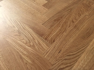 350 x 70 mm Herringbone Prime Oak Lacquered