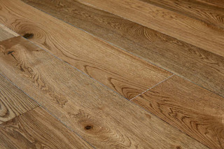 15/4mm x 190mm x 1900mm Engineered ABCD Grade Tawny Lacquered Oak. Tongue & Groove m2 Free Shipping.