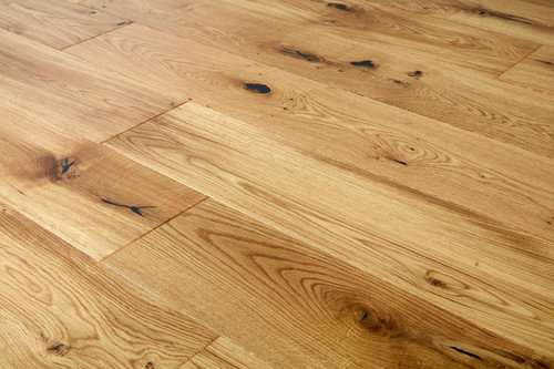 14/2.5mm x 180mm x 1100mm Engineered ABCD Grade Natural Lacquered Oak. 5G Click System £38.00m2 .Free Shipping.