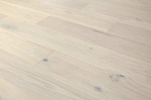 14/2.5mm x 180mm x 1100mm Engineered ABCD Grade Cappuccino UV Lacquered Oak. 5G Click System £38.00m2 Free Shipping.