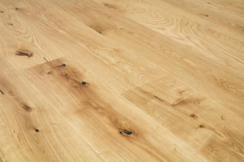 14/2.5mm x 180mm x 2200mm Engineered ABCD Grade Cinnamon Oiled Oak. 5G Click System £47.00m2 Free Shipping.