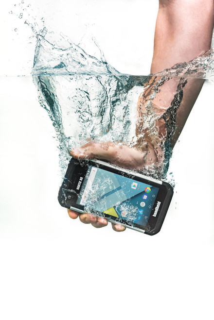 Nautiz-X9-IP67-rugged-handheld