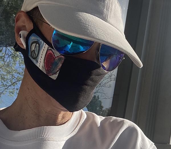 dea-mask-600pxls.jpg
