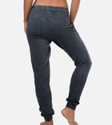 back view of girl wearing carbon heather joggers