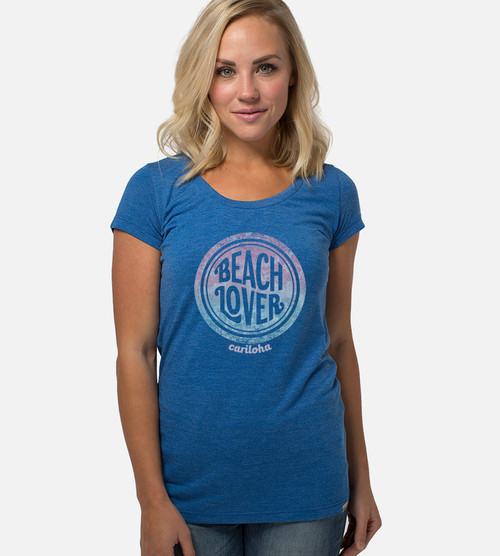 front view of model wearing reef blue scoop with beach lover design