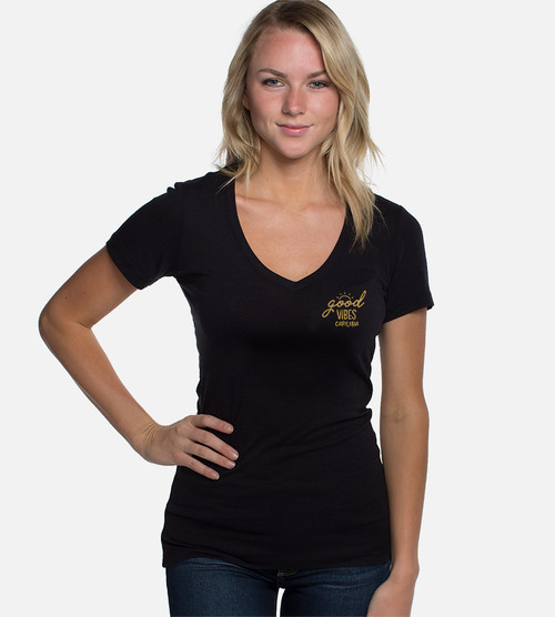 front view of model wearing black v-neck with left chest sunny vibes pocket design