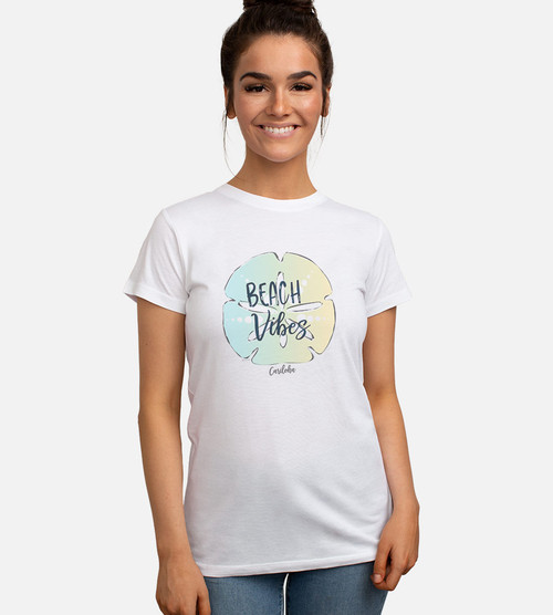 front view of model wearing beach vibes graphic tee