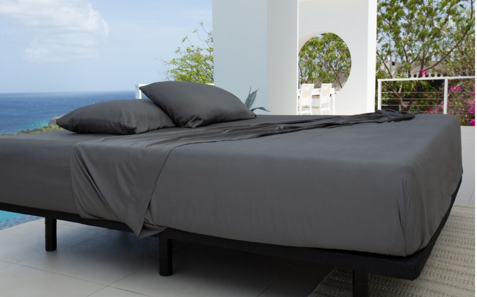 mattress with sheets to show that cariloha sheets fit well
