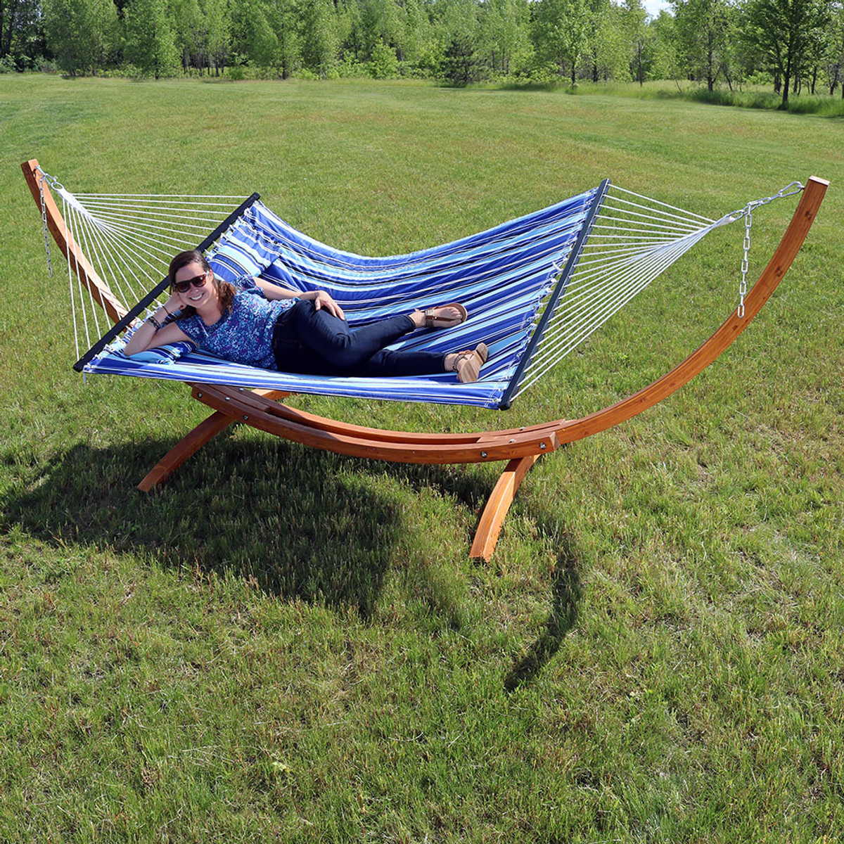 Sunnydaze Quilted Double Fabric 2 Person Hammock With Curved Arc Wood Stand 400 Pound Capacity