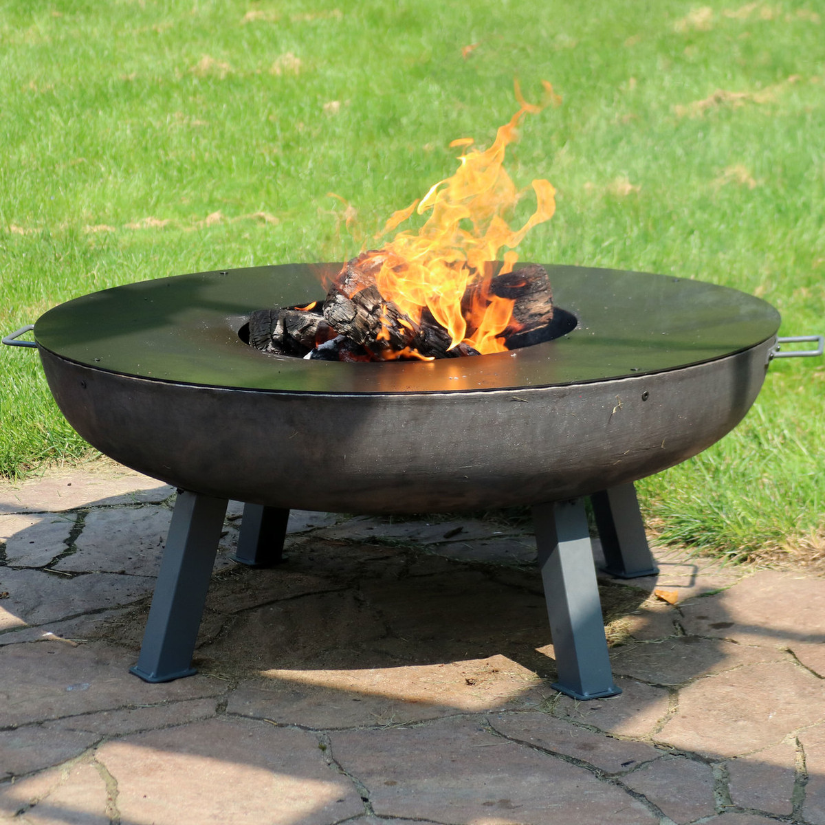 Image of: Sunnydaze 40 Inch Cast Iron Fire Pit With Cooking Ledge Fire Pits