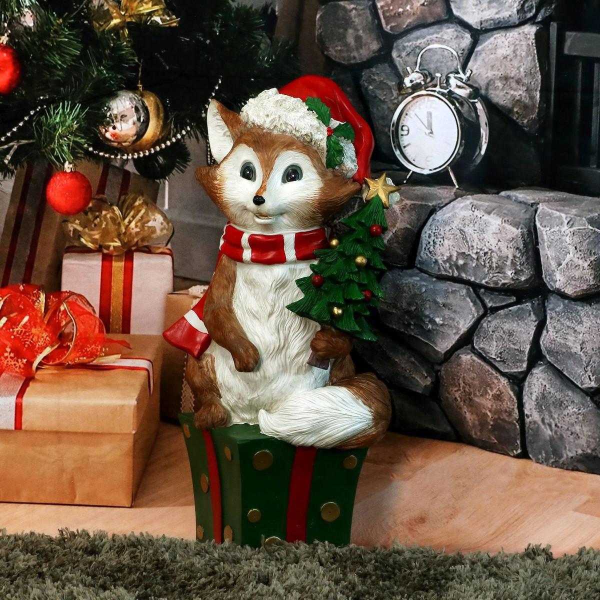Sunnydaze Felix the Christmas Fox Indoor/Outdoor Christmas