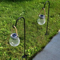 Outdoor Round Crackled Glass Color-Changing Solar LED Light with Shepherd Hook