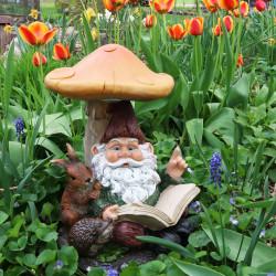 Garden Statues: Garden Gnomes, Pet & Lighthouse Statues
