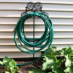 Metal Garden Hose Stand Holder with Clover Design (Hose Not Included)