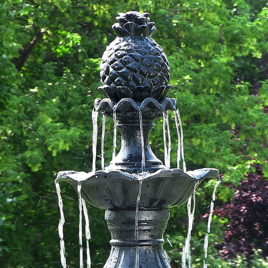 Closeup of Top of Fountain