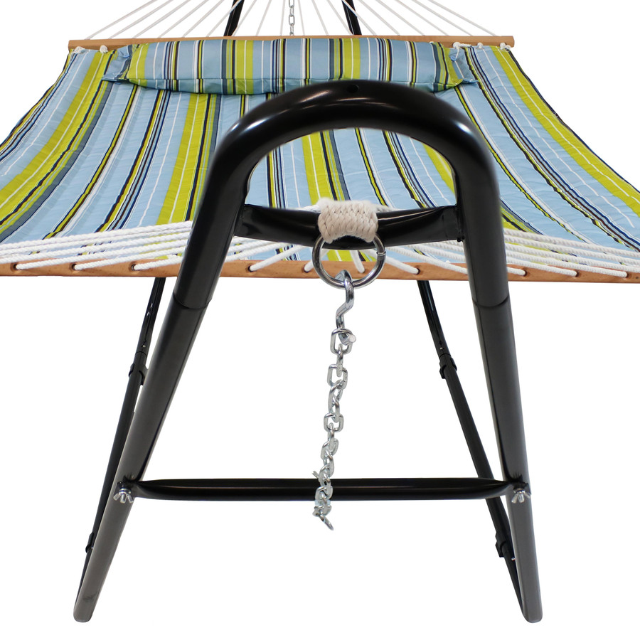 Closeup of End of Hammock Stand