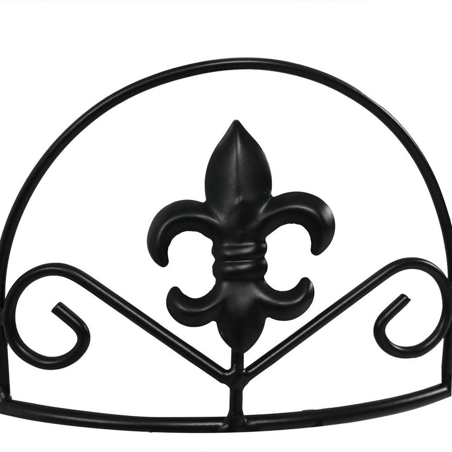 Closeup of Fleur-de-Lis Design