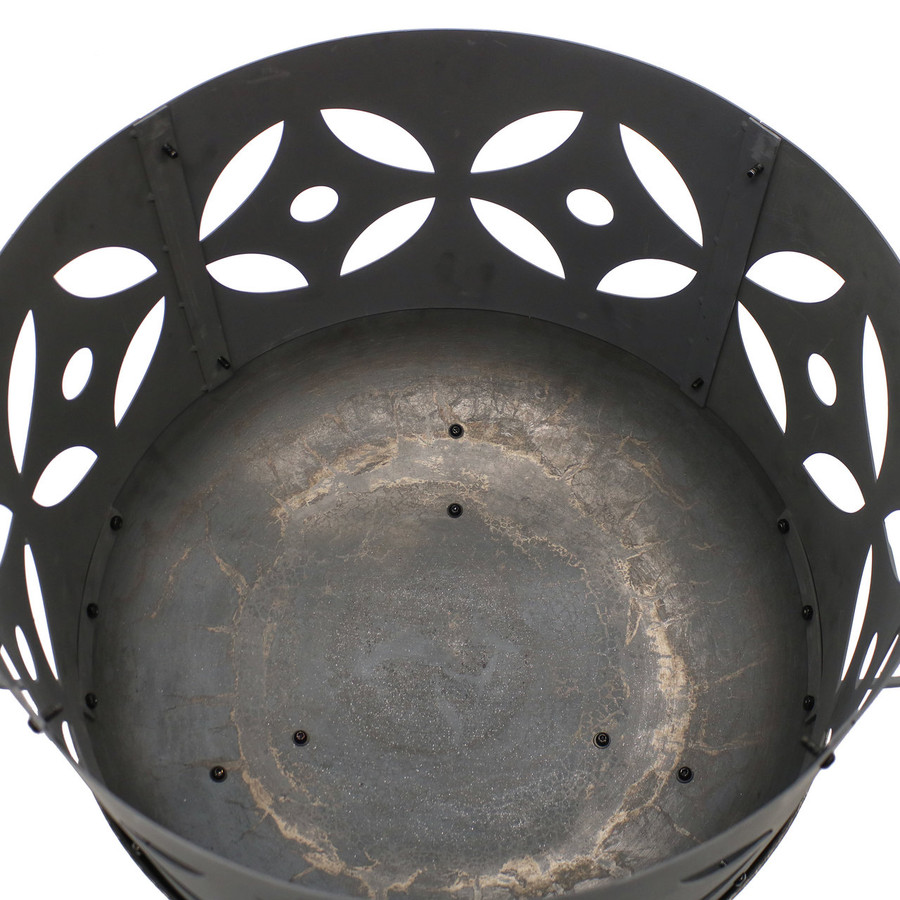 Top View of Retro Fireplace Cast Iron Outdoor Fire Pit