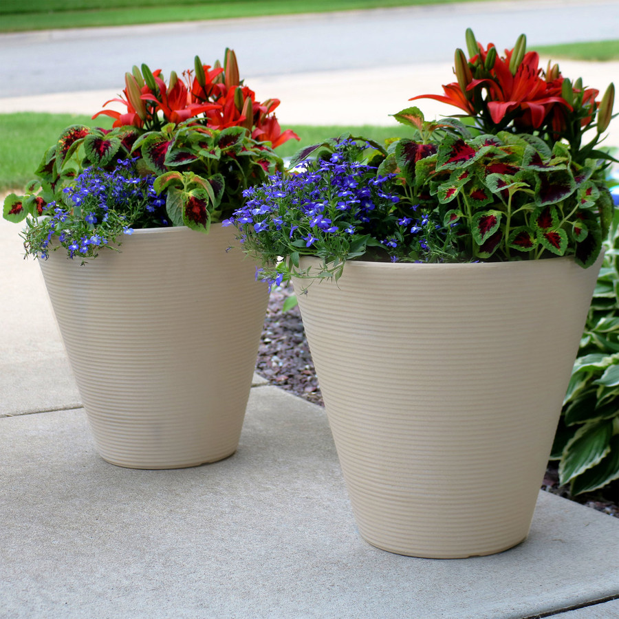 Set of 2, Outdoors