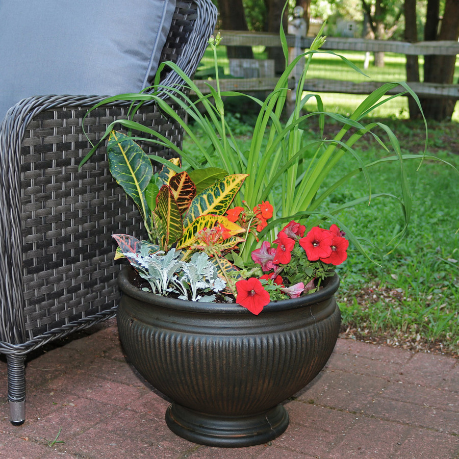 Elizabeth 16-Inch Diameter Planter in Rust