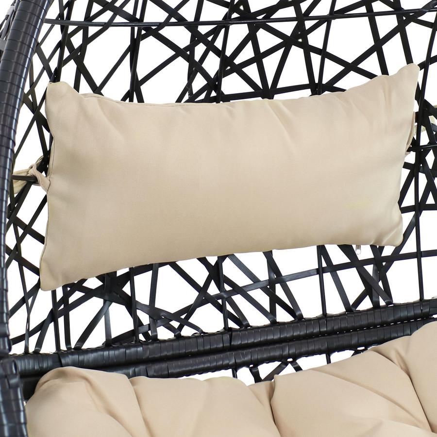 Closeup of Cream Cushions