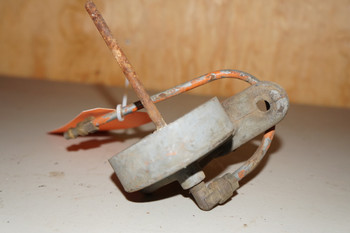 USED ALLIS CHALMERS BASE OIL FILTER  ASSEMBLY (237)