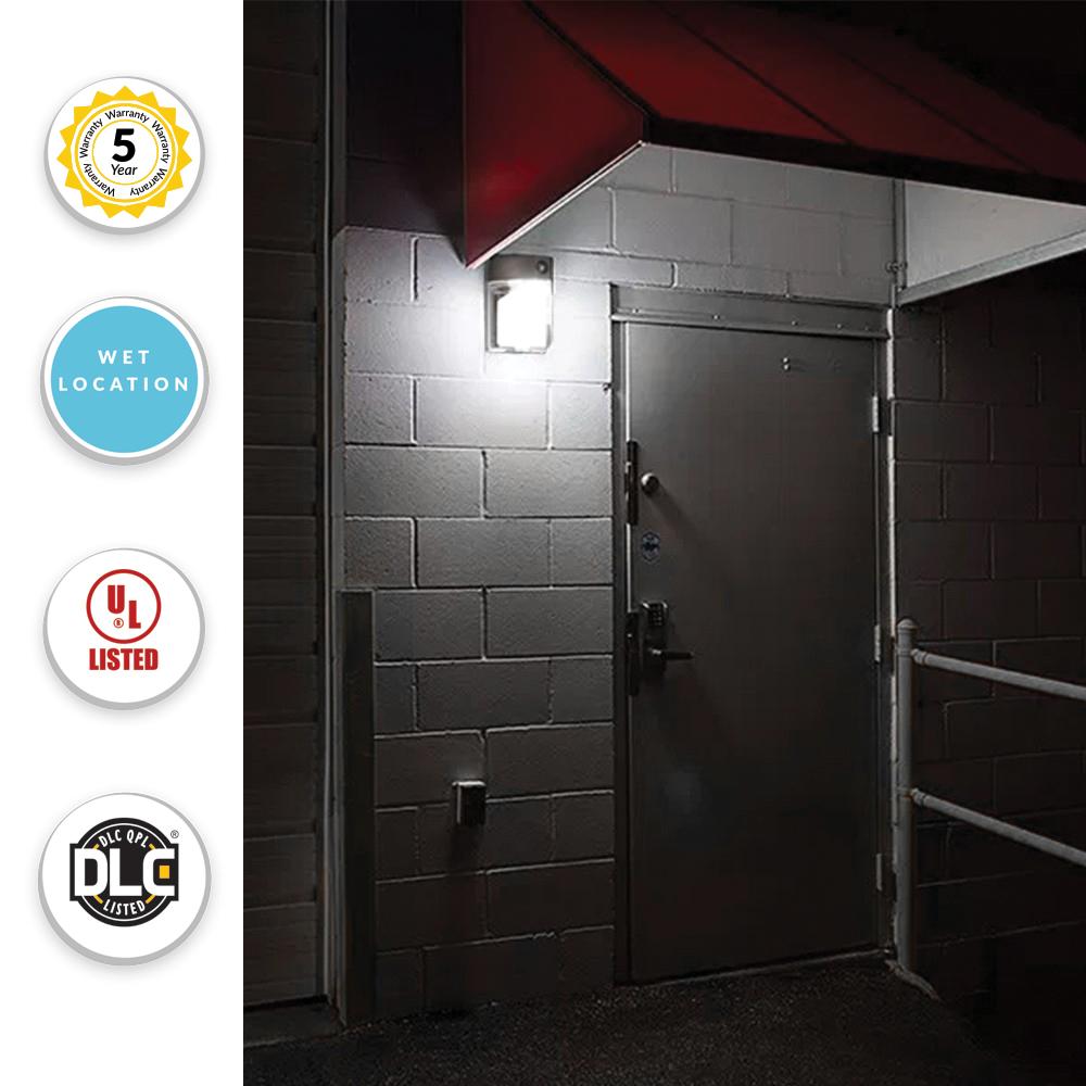 LED Wall Pack with Photo Eye - 20 Watt, 2000 Lumens, 5000K Daylight