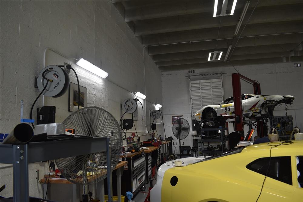 LED Waterproof Vapor Tight Light - 5000K Daylight for Carports, Parking Garages and Wet Locations - 50 Watt 6,400 Lumens - 4 Foot - 5000K Daylight.