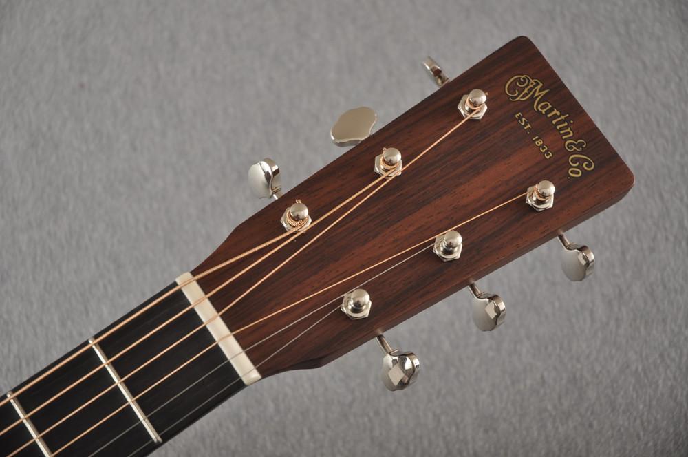 Martin 000 Custom Style 18 GE Golden Era Adirondack Sunburst #2342121 - Headstock