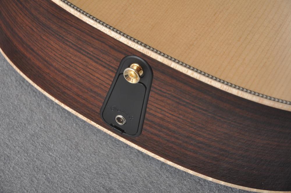 Martin OM-28E Modern Deluxe Fishman Electric Guitar #2345324 - Pickup