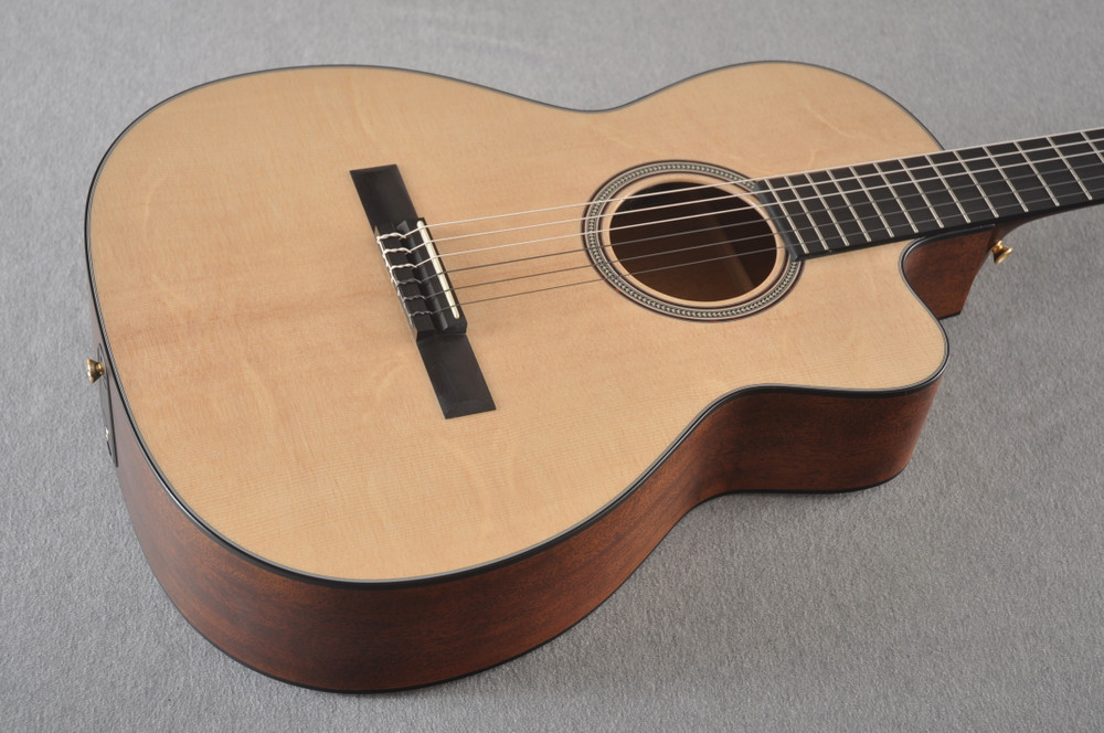 Martin 000C12-16E Nylon Guitar #2353901 - Beauty